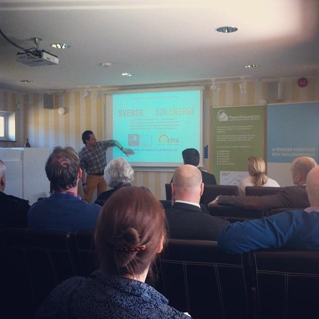 Sist ut för denna soliga dag är Lars Andrén från #Drivkraft som berättar vad han brinner för; energi! #emrahus #passivhus #passivhuskonferens #kallfors