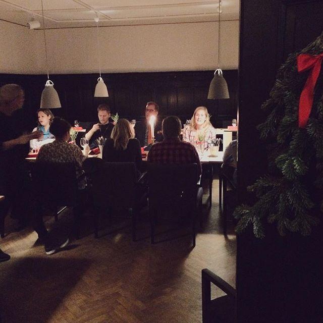Ikväll var hela Emrahus på julbord på Erikstorps Kungsgård