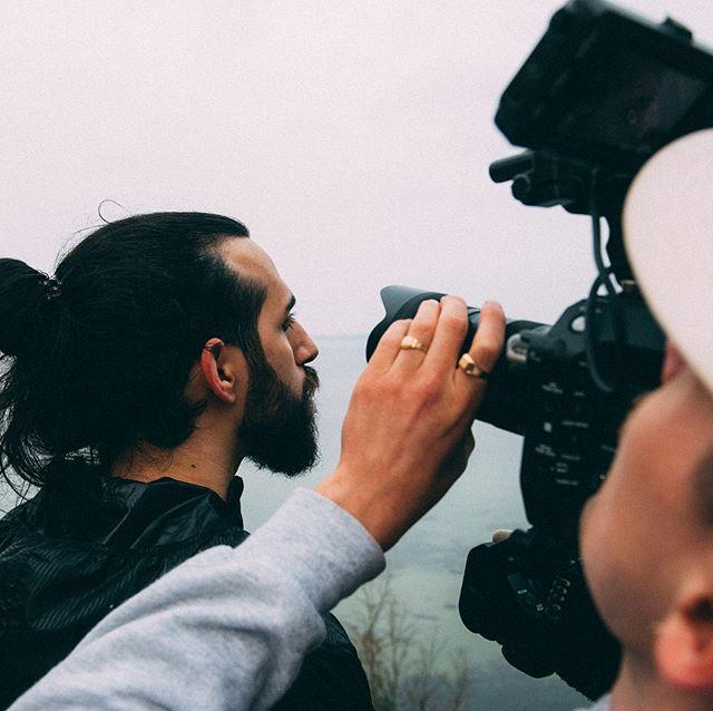 På onsdag lanserar vi Kvarteret Morgondoppet i Borstahusen! Så länge visar vi upp lite bilder från behind the scenes från filminspelningen till en video om kvarteret. Fler bilder finns på vår Facebook!Håll utkik på Facebook eller hos @robinberkhuizen för att inte missa lanseringen av film, hemsida och hela köret på onsdag!